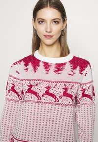 Vila - VICOMET CHRISTMAS - Jumper - snow white/red - 4