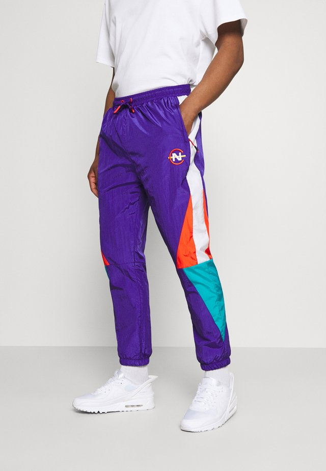 LASTAGE - Trainingsbroek - purple