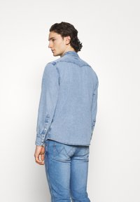 Wrangler - Shirt - light-blue denim - 2