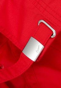 Nike Sportswear - HERITAGE UNISEX - Caps - university red/silver - 4
