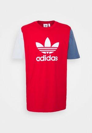 BLOCKED TREF UNISEX - T-shirts print - scarlet/crew blue