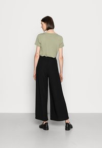 Anna Field - TEXTURED LIGHTWEIGHT PALAZZO PANT - Trousers - black - 2
