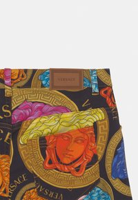 Versace - MEDUSA AMPLIFIED - Denim shorts - black/multicolor - 2