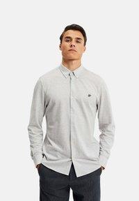 WE Fashion - SLIM FIT - Camicia - light grey - 3