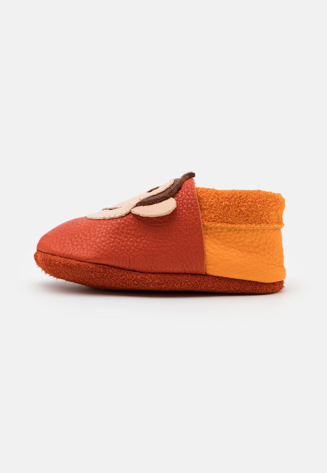 KING LUI UNISEX - First shoes - orange/mango
