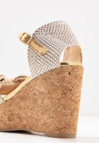 RAS - High heeled sandals - fuffy sand/kiddy gold - 2