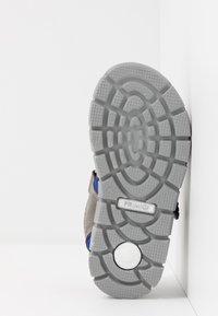 Primigi - Chodecké sandály - grey - 5