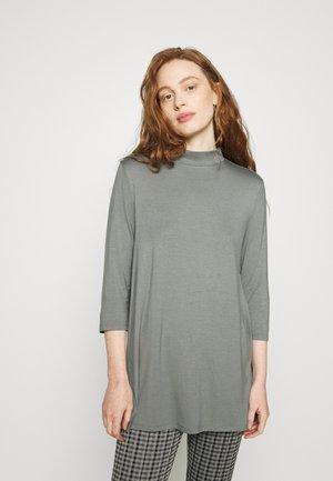 KEYOMI TURTLE - T-shirt à manches longues - dark sage