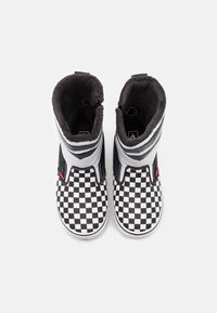 Vans - MTE UNISEX - Winter boots - black/white - 3