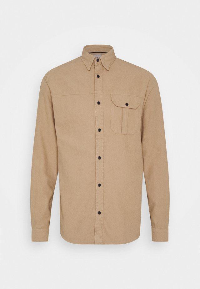 JCONICOLAS ONE POCKET - Shirt - dune