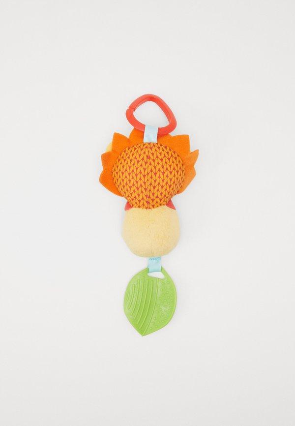 Skip Hop BANDANA BUDDIES -CHIME BUDDIES - LION - Pluszowa maskotka - orange Akcesoria DSIXNO5