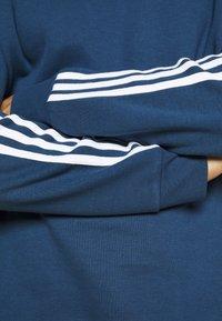 adidas Originals - 3 STRIPES CREW UNISEX - Sweatshirt - nmarin - 6