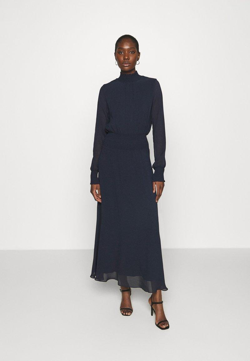 IVY & OAK - RAPA - Maxi šaty - navy blue