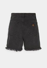 Abrand Jeans - CLAUDIA CUT OFF - Denim shorts - black rose - 6