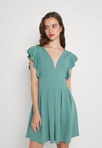 WAL G. - JESSIE SKATER DRESS - Sukienka letnia - sage green - 0