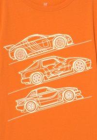 GAP - VALUE GRAPHICS - Print T-shirt - orange peel - 2