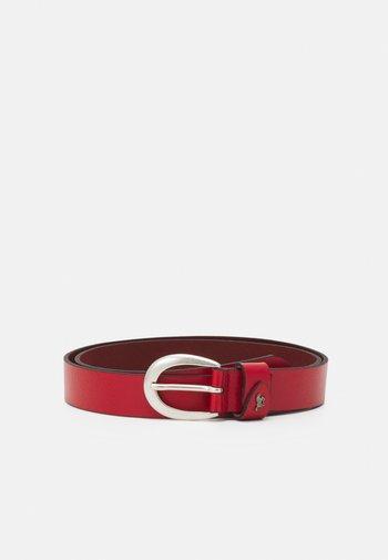 Belt business - red