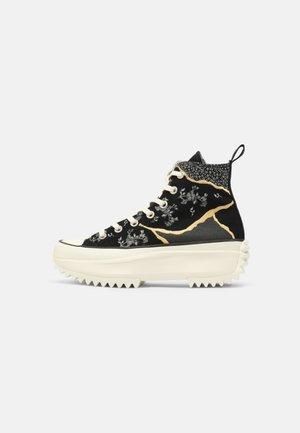 RUN STAR HIKE - Sneakers hoog - black