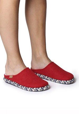 MIRI-FP - Slippers - vermell