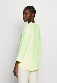 Rich & Royal - BLOUSE WITH COLLAR - Pusero - neon yellow - 2
