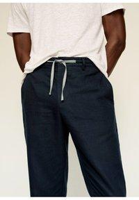 Mango - Trousers - dunkles marineblau - 4