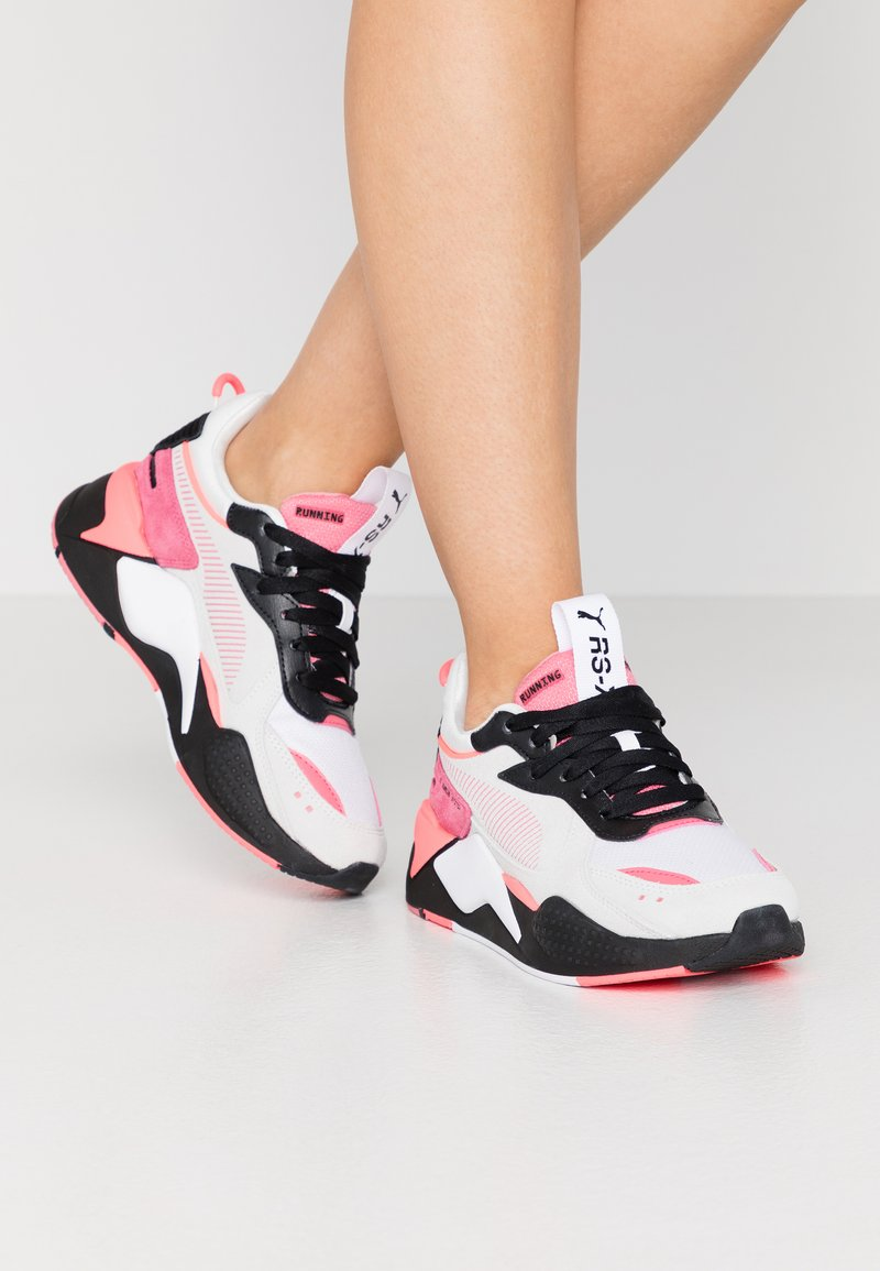 Puma - RS-X REINVENT - Trainers - white/bubblegum