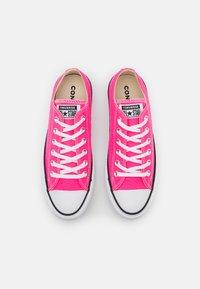 Converse - CHUCK TAYLOR ALL STAR LIFT - Joggesko - hyper pink/white/black - 5