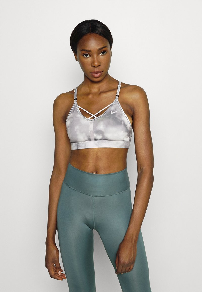 Nike Performance - INDY SKY BRA - Sport-BH med lätt stöd - smoke grey/black/white