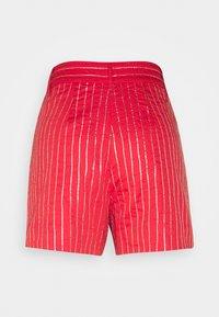 MANÉ - ELLA - Shorts - coral/gold - 1