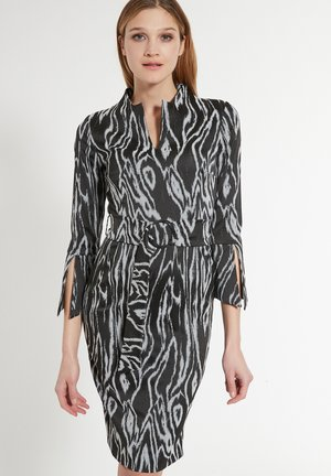 ESHNY - Shift dress - schwarz