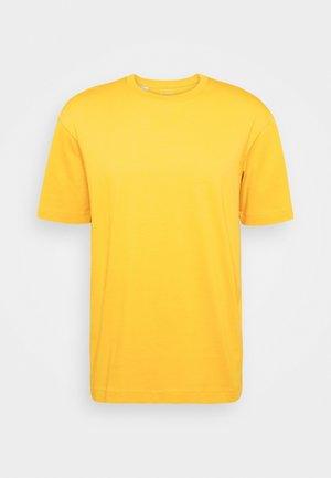 SLHLOOSEGILMAN O NECK TEE - T-Shirt basic - mango mojito