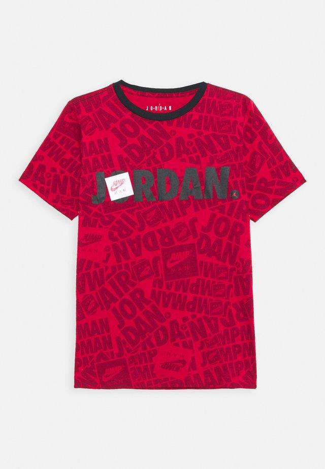 JUMPMAN BY SPLASH TEE UNISEX - Triko spotiskem - gym red