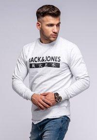 Jack & Jones - ELEMENTS  - Sweatshirt - white melange - 3