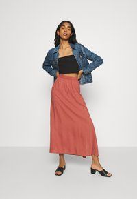 Vero Moda - VMSIMPLY EASY SKIRT - Jupe longue - marsala - 1