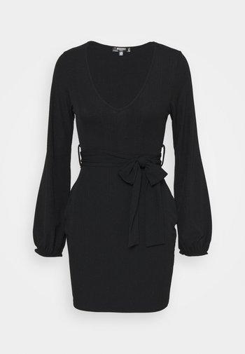 SLINKY TIE BELT BODYCON MINI DRESS - Jerseykjole - black