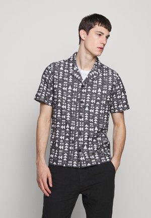 SOFT COLLAR - Shirt - white