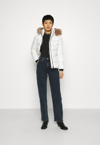 Calvin Klein - ESSENTIAL JACKET - Down jacket - snow white - 1