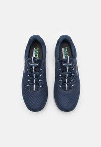 Skechers Wide Fit - SUMMITS - Sneakers basse - navy - 3