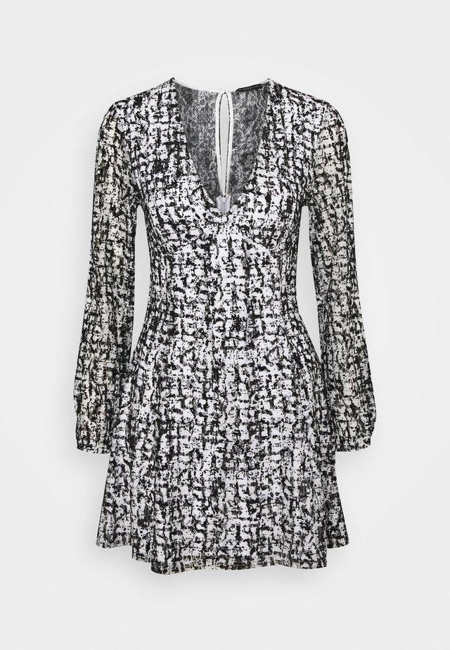 NAJAT DRESS - Day dress - distressed tartan