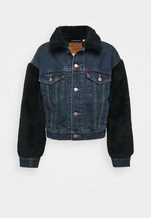 COCOON SHERPA TRUCKER - Denim jacket - hot fuzz