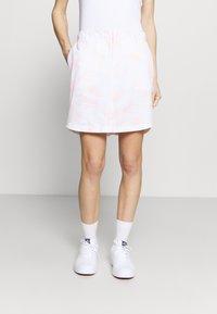 Under Armour - LINKS PRINTED SKORT - Sports skirt - white - 0