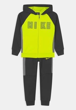 COLORBLOCKED THERMA SET UNISEX - Sportovní bunda - black