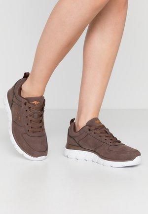 KR-ARLA - Sneakers - coffee