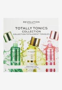 Revolution Skincare - REVOLUTION SKINCARE TOTALLY TONICS COLLECTION - Skincare tool - - - 1