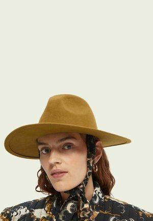 Hat - golden sand