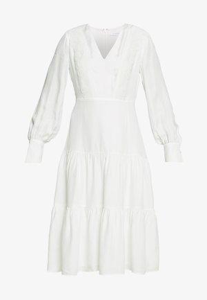 MIX DRESS MIDI - Denní šaty - snow white