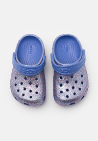 Crocs - CLASSIC GLITTER - Sandály do bazénu - lapis - 3