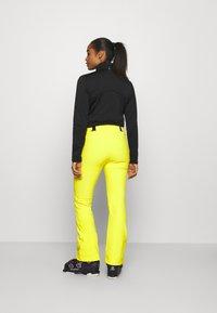 J.LINDEBERG - STANFORD - Spodnie narciarskie - banging yellow - 2