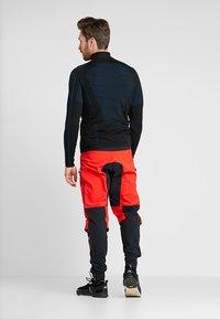 Vaude - MENS VIRT PANTS II - Outdoor trousers - mars red - 2