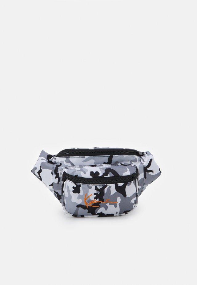 SIGNATURE WAIST BAG UNISEX - Marsupio - black